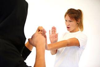 Frauenselbstverteidigung_stark_Wing_Tsun