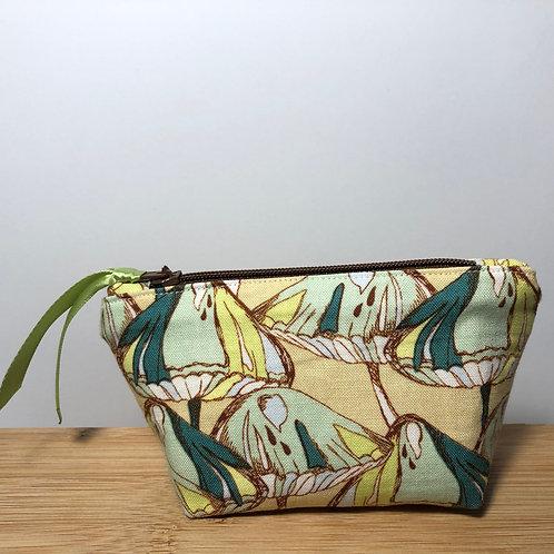 Mini zipped purse in mushroom print