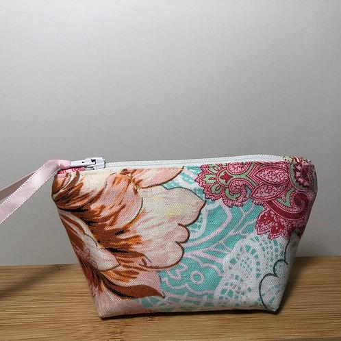 Mini zipped purse in floral print