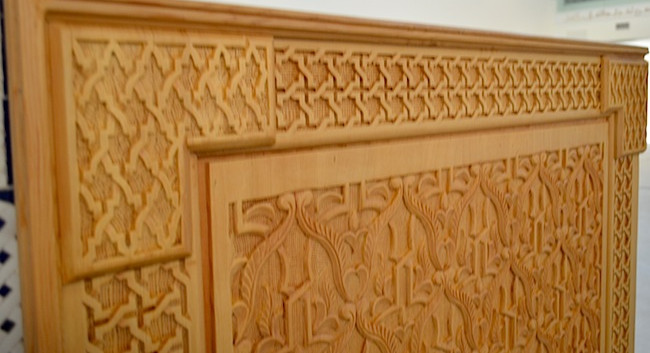 wall covering with cedar carved wood