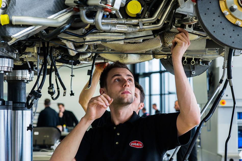 Mécanicien chez Bugatti pour l'Usine Nouvelle.