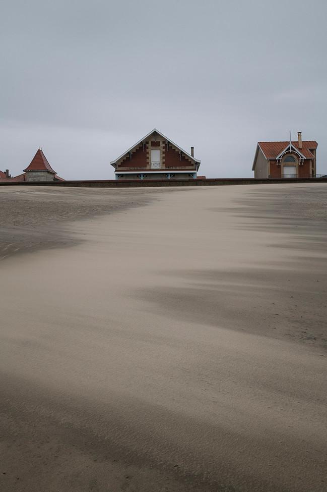 Soulac, le front de mer par jour de vent.