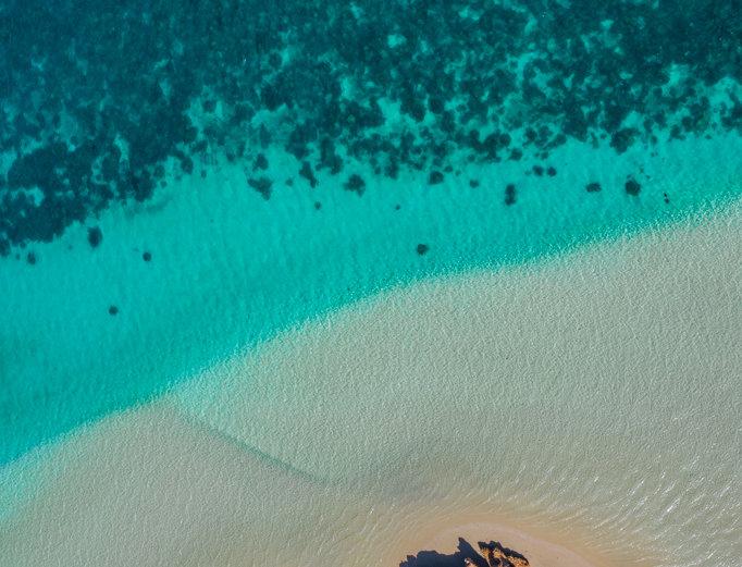 Paradise Beach  (AER0015)