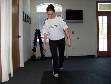 ankle_proprioception_balance_one_leg_cross_over4_new_jersey_sports_medicine.jpg