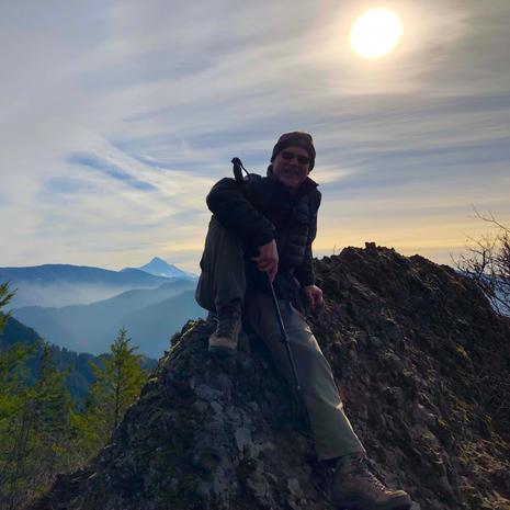 Hardy Ridge Loop-Hiking in January
