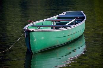 canoe-1657069_1920.jpg