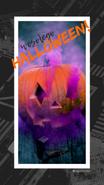 Relacja Insta Story na Instagramie. Na zdjęciu dynia wydrążona na Halloween, z otworów wylatuje dym. Tekst: Wesołego halloween. @migatomedia
