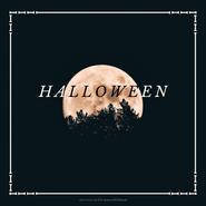 Grafika na Facebooka i Instagrama. Ramka z narysowanych kości. W środku zdjęcie. Na zdjęciu noc, nocne niebo, księżyc w pełni, drzewa w lesie. Tekst: Halloween. Darmowe grafiki www.migato.pl.