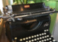 Fave_Editing_Services_Antique Typewriter