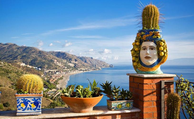 Sicily & its Artistic Artisan Ceramic