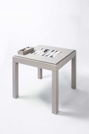 Venezia backgammon table covered in Italian calfskin leather by GioBagnara