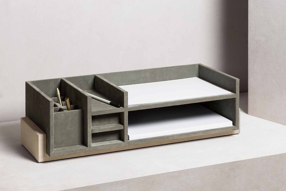 Personal Assistant desk organiser designed by Stephane Parmentier for GioBagnara