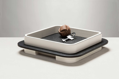 Lloyd square tray with frame finished in white leather
