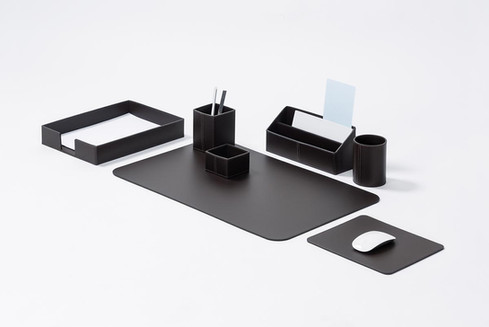 Idea desk set in regenerated leather from RUDI