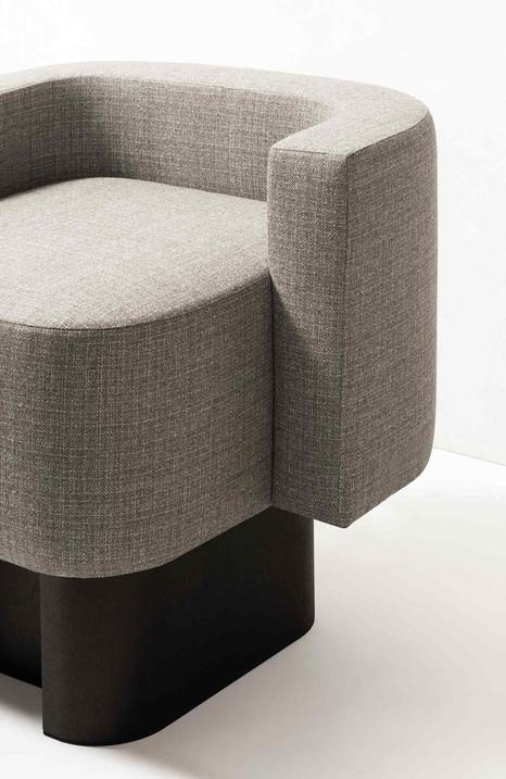 Detail of the Lloyd armchair by glen Sestig for GioBagnara