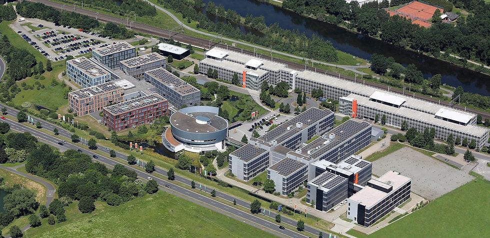 Wolfsburg AG Luftbild beschnitten.jpg