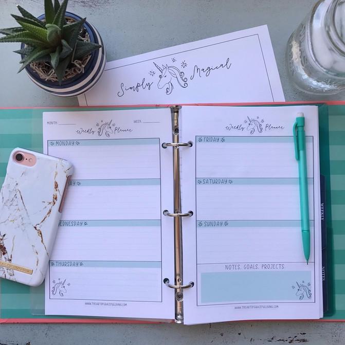 Free Printable Unicorn Weekly Planner!