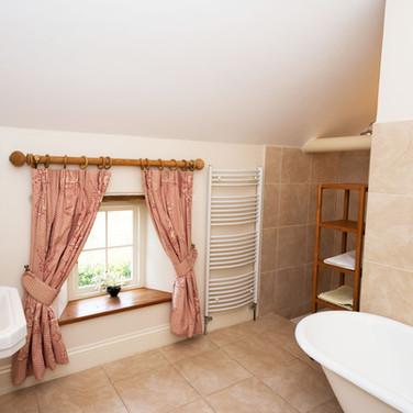 Penrhiw Family Bathroom