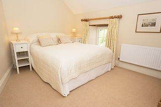 Cottage rental Wales double bedroom