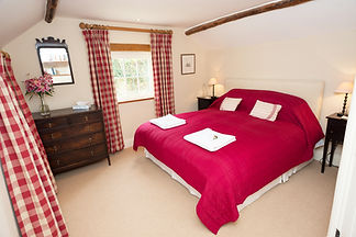 Carmarthen self-catering cottage double bedroom