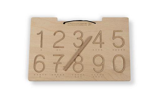 Ξύλινη πινακίδα προγραφής με αριθμούς