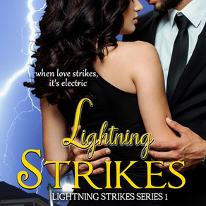 Lightning Strikes by Roni Denholtz is a Trick or Treat Bonanza pick #paranormal #romance #giveaway