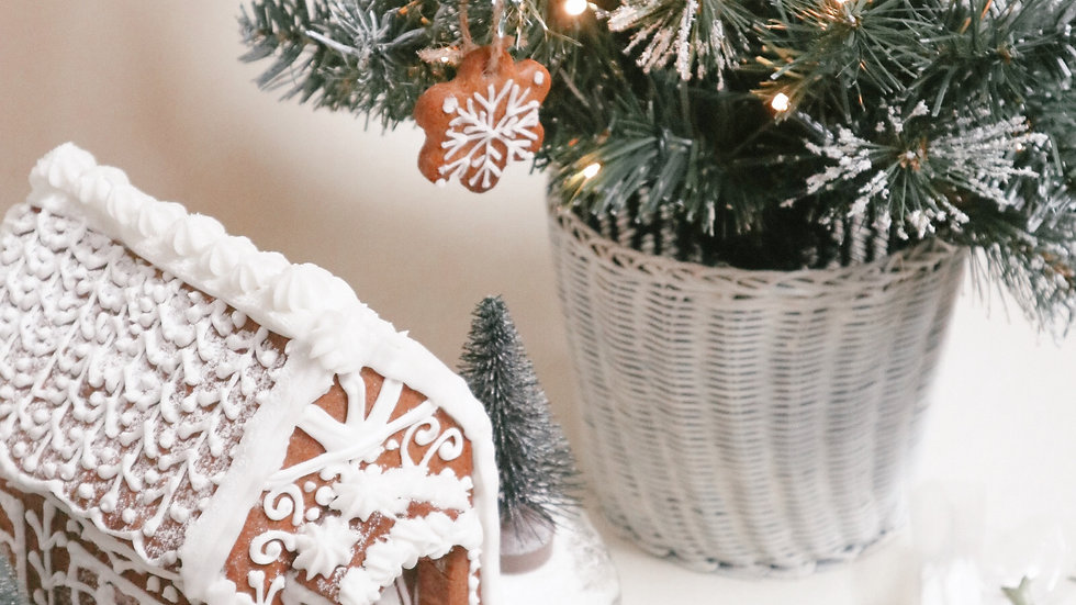D.I.Y Gingerbread Christmas Cottage