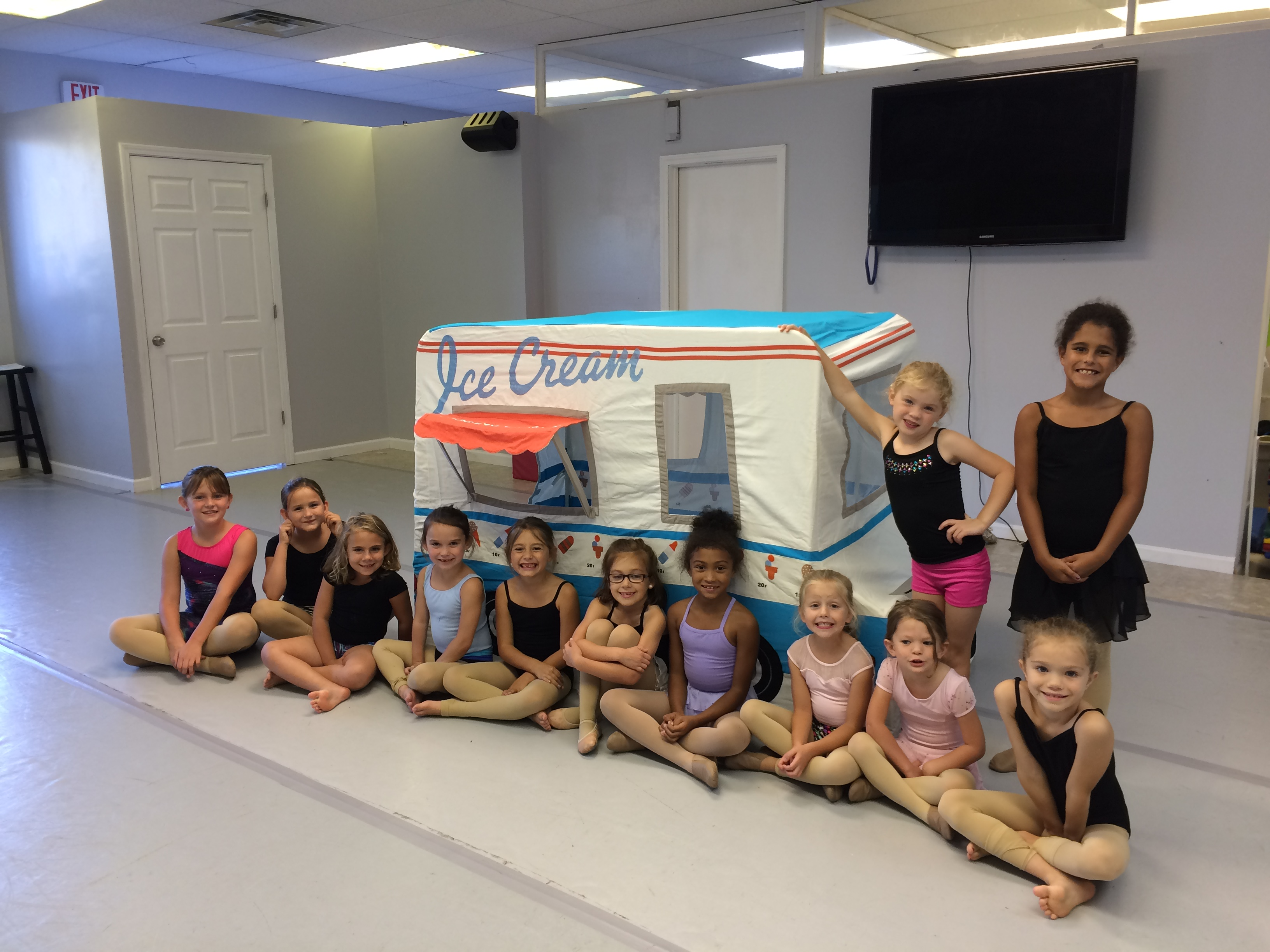 Ice Cream Mini Competition Dance