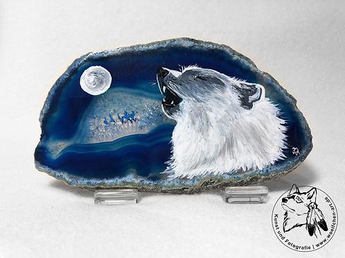 Heulender Wolf auf blauer Achatscheibe