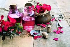 geranium essential oil.webp