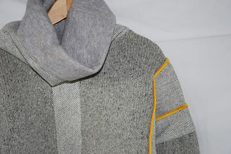 grey yell jumper detail.JPG