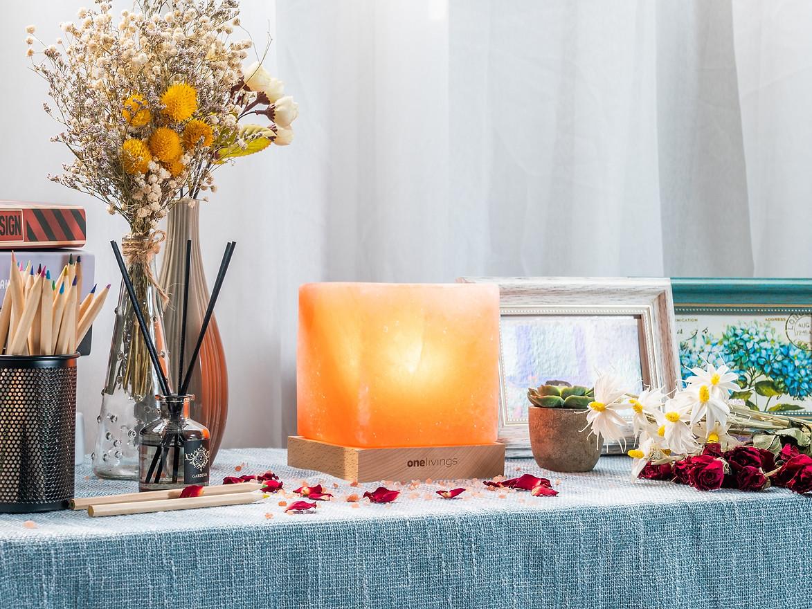 Himalayan Salt Lamp - Cube