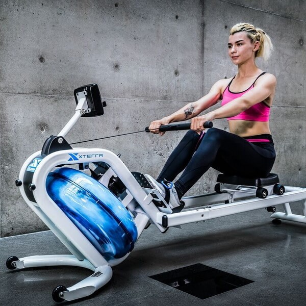 Cardio Training by Rwing Machine