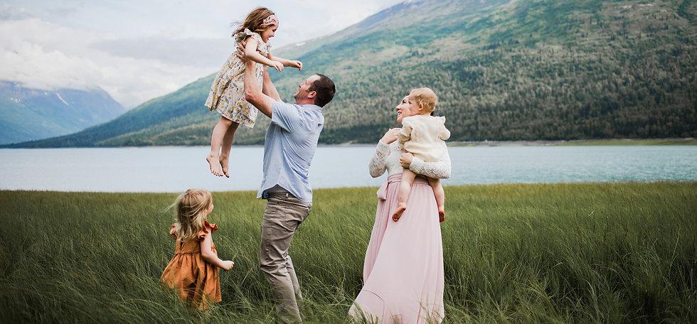 anchorage maternity, newborn, baby & family photographer
