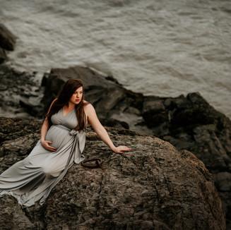 willow alaska maternity photography