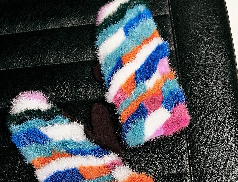 Варежки из норки с разноцветными полосками