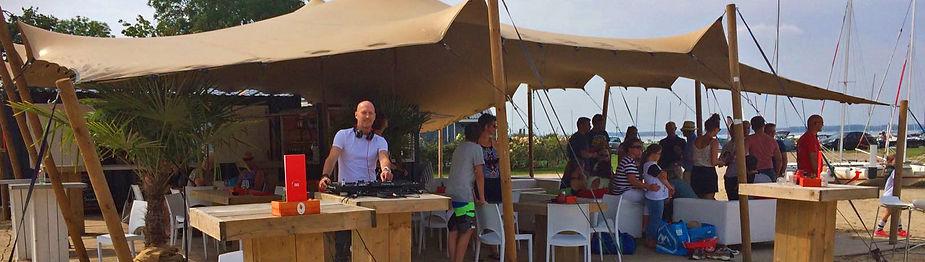 Lounge DJ huren voor Buiten Event
