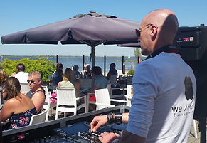 Lounge DJ Huren, Lounge DJ Boeken