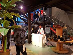 Lounge DJ huren voor in Winkel