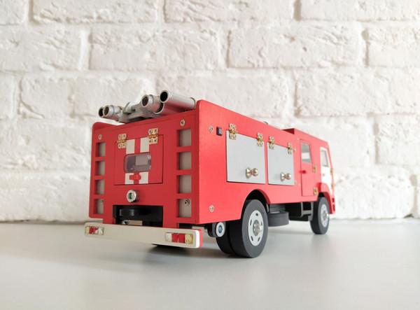 Модель - Пожарный автомобиль КамАЗ, моде