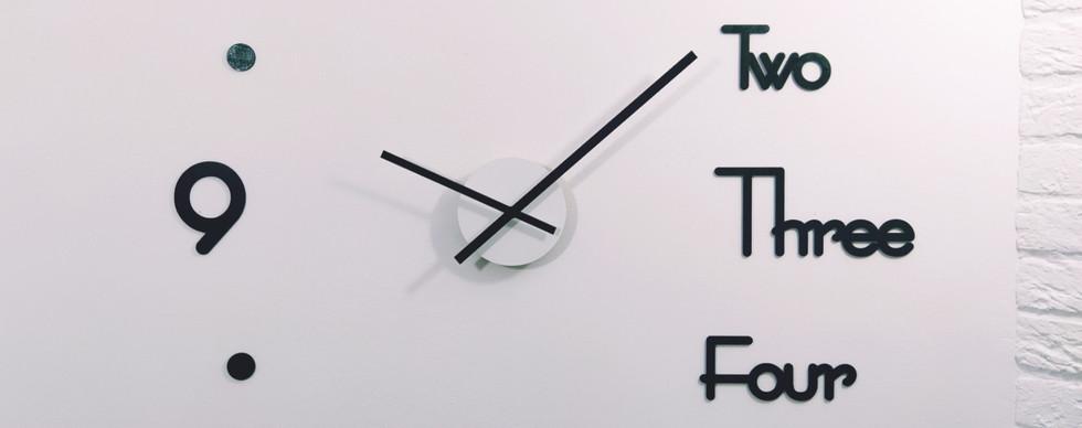 Дизайнерские настенные часы с отдельными