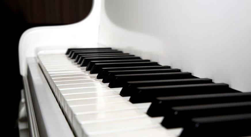 white-grand-piano.jpg