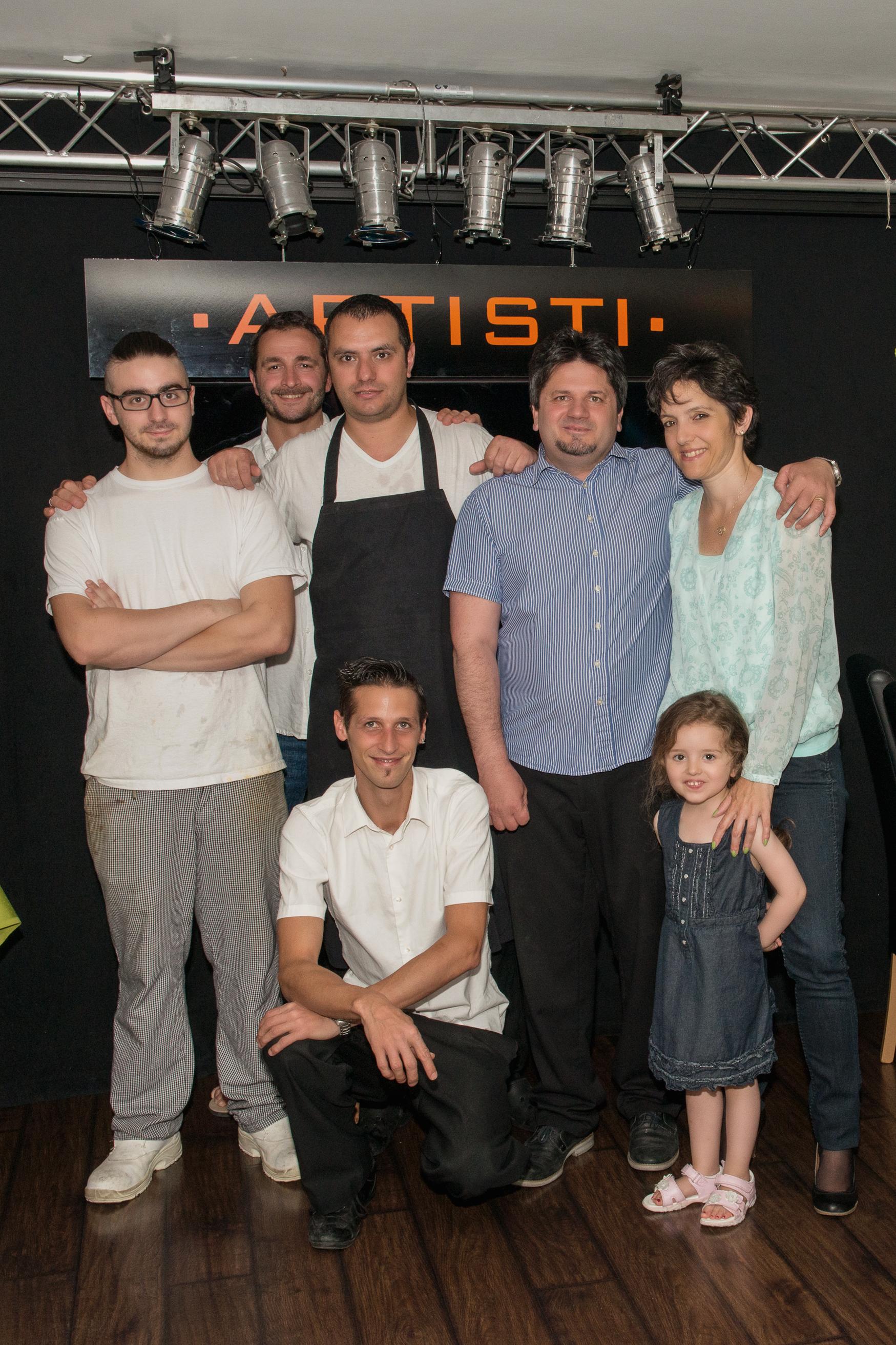 Familie Morra-Brantschen und Team