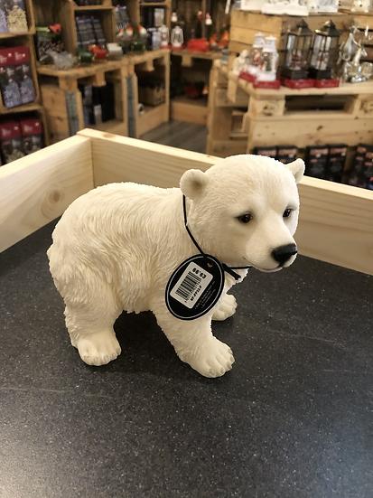Vivid polar bear