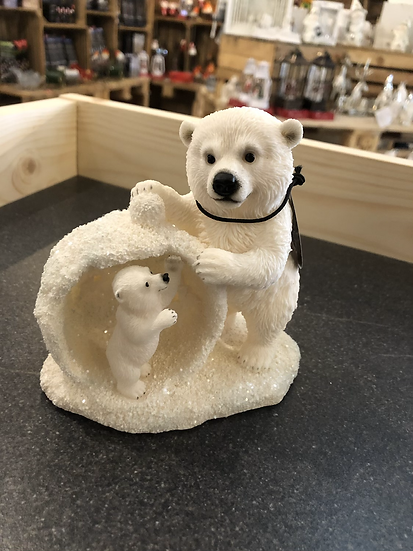 Vivid mother and baby snowball bear