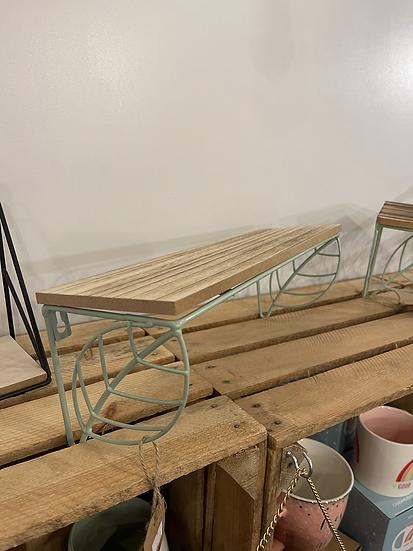 Wire leaf shelf