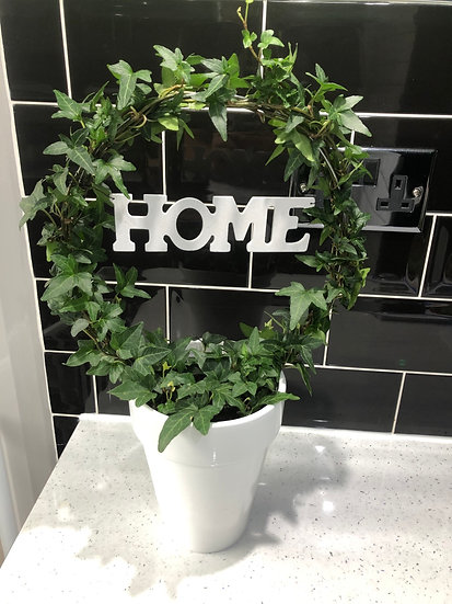 Ivy 'home' in ceramic pot