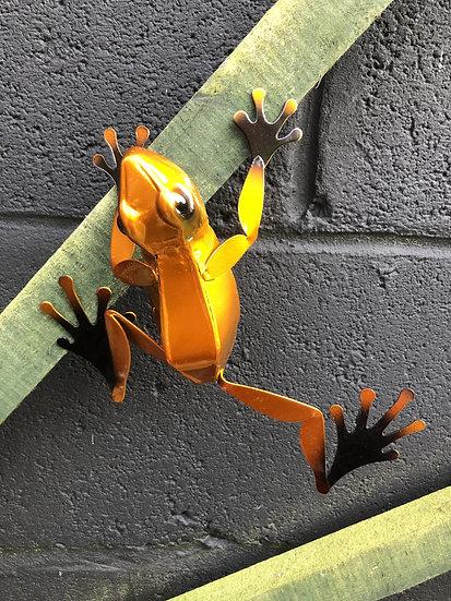 Metallic 3D frog wall art