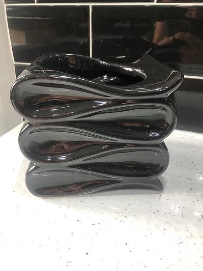 12cm Black wave pot