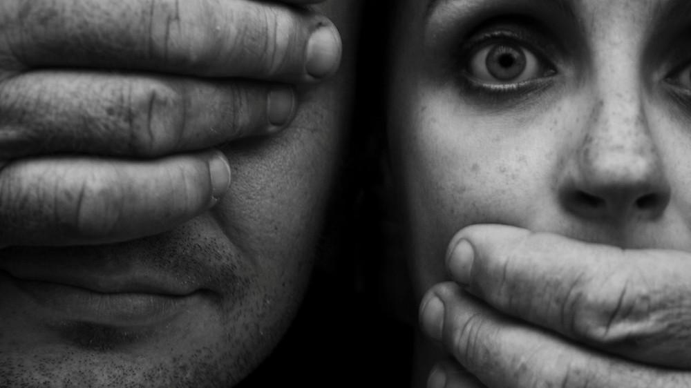 Muitos-homens-preferem-nao-ver-e-muitas-mulheres-nao-podem-falar-perante-a-violencia-de-genero